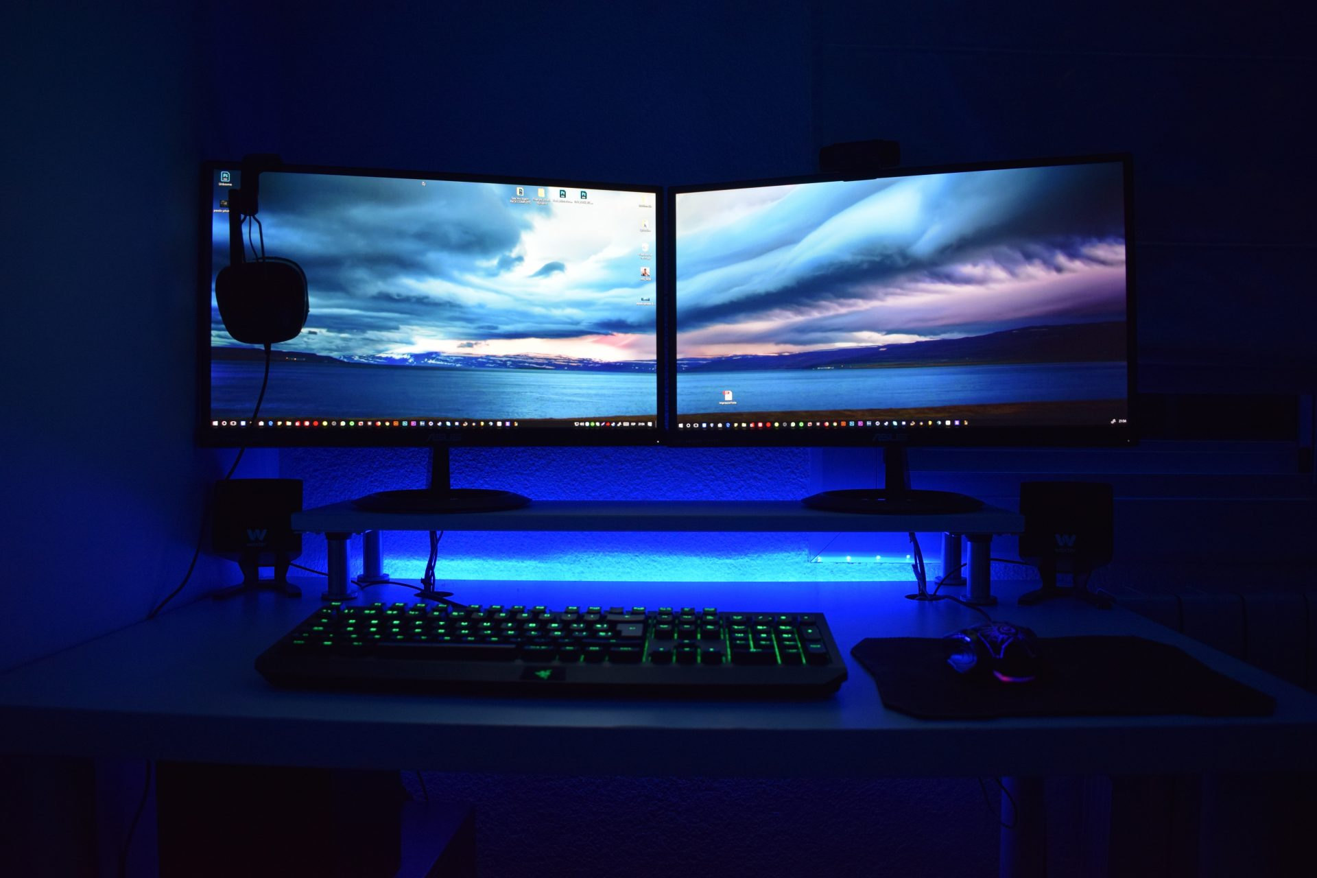 10 Best Monitor with 2 HDMI Ports - 2021